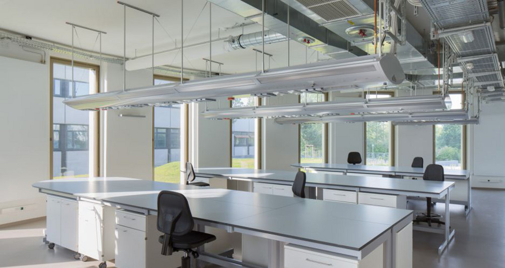Technische Gebäudeausstattung in einem Labor des ZMB Kiel